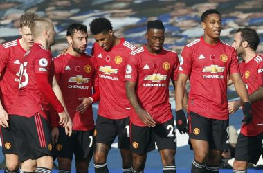Neville: United needs a style of play.