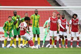 Smith scores as Arsenal seal three points.
