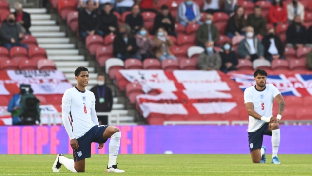 England team not discourage by fans.