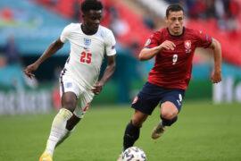 Mourinho hails England star Bukayo Saka.
