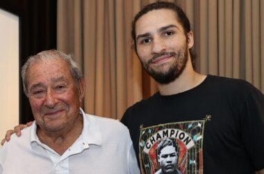 Muhammad Ali's grandson become pro boxer.