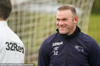 Rooney: United have great chance to win League.