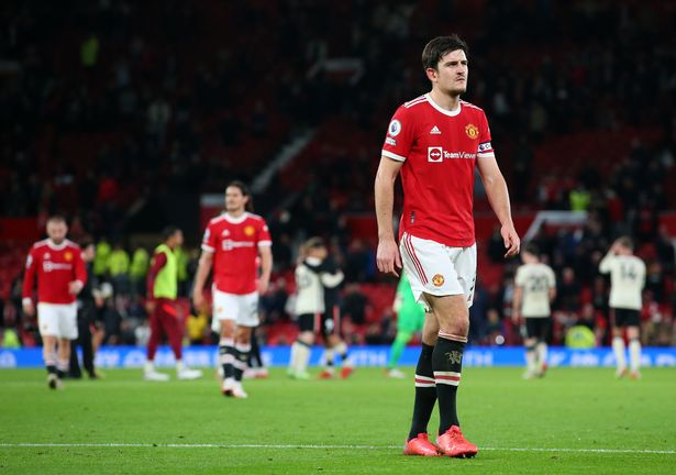 Maguire apologises to United fans after defeat.